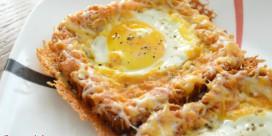 Toasty se zapečeným sýrem a vajíčkem