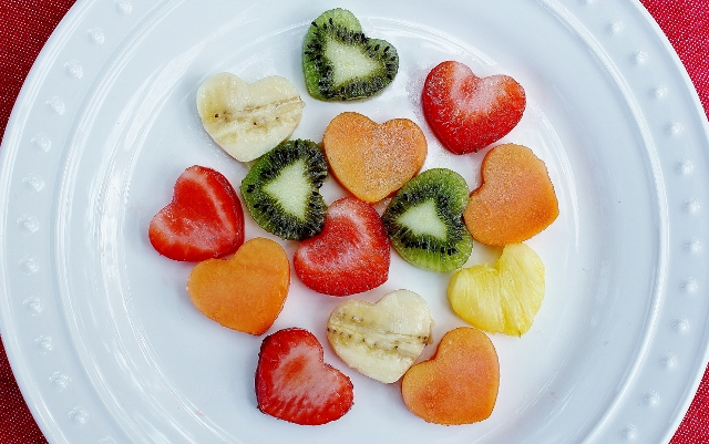 Valentines-Day-Fruit-Salad