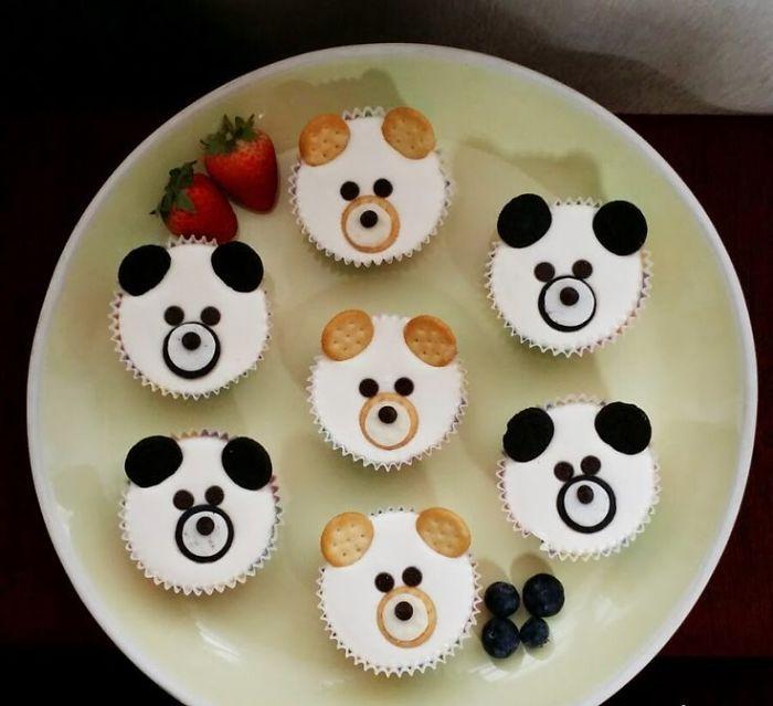 Cute-panda-cupcakes13__700