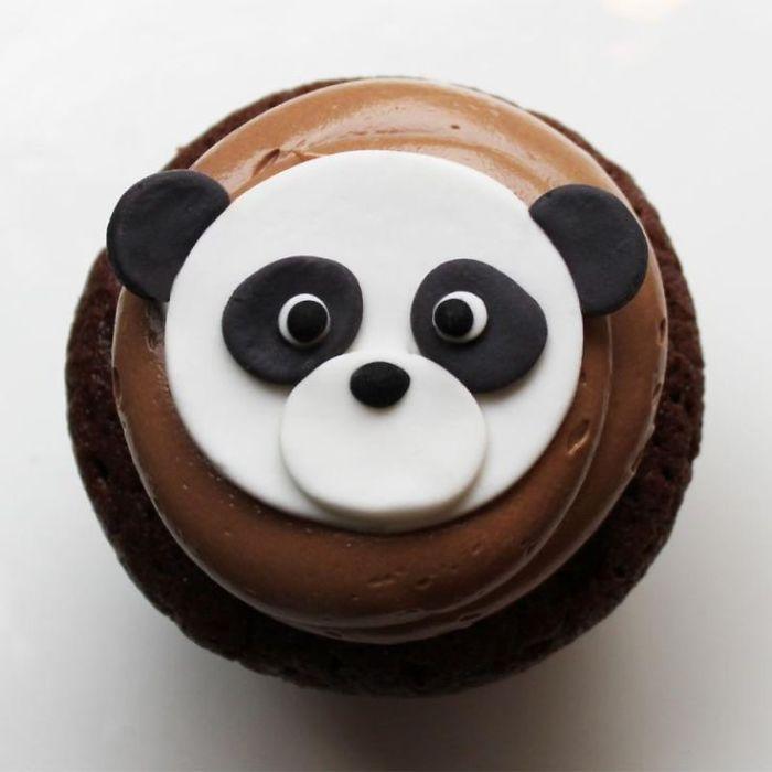 Cute-panda-cupcakes2__700